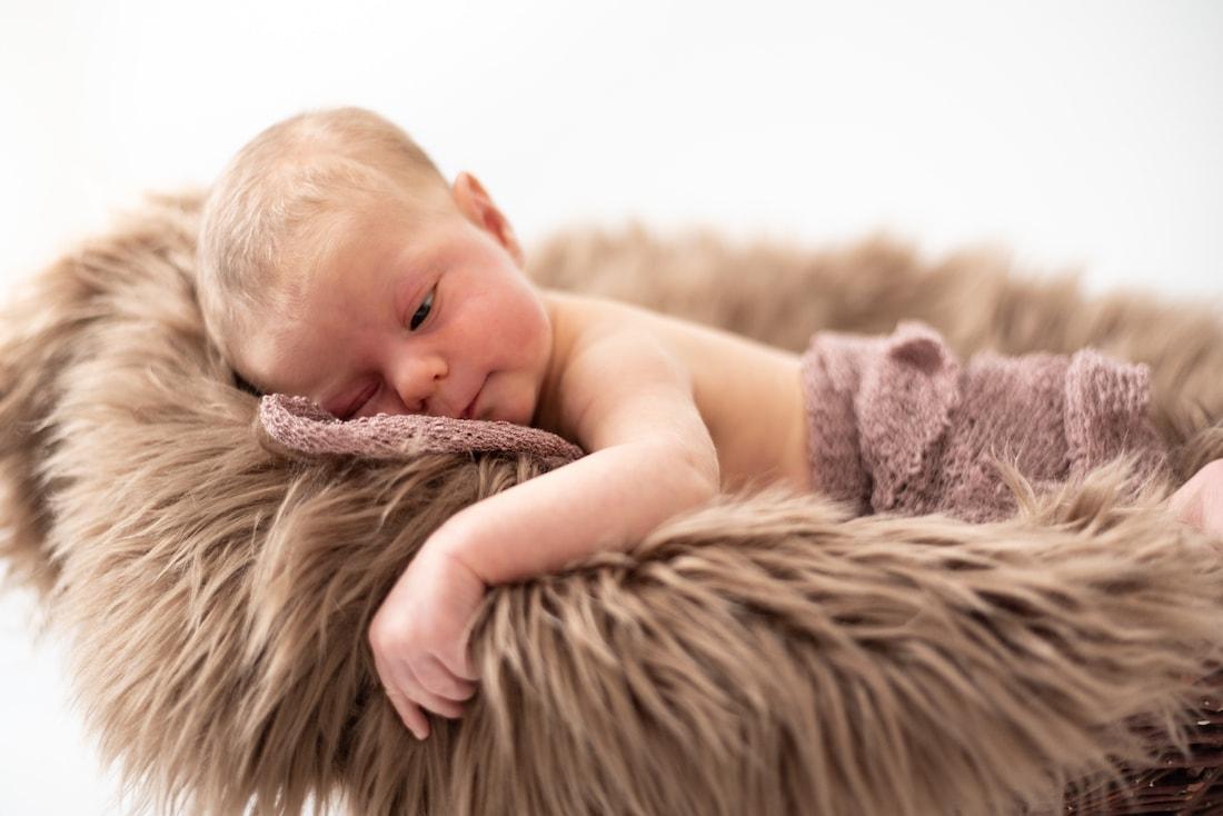 Newborn Baby Fotoshooting Körbchen