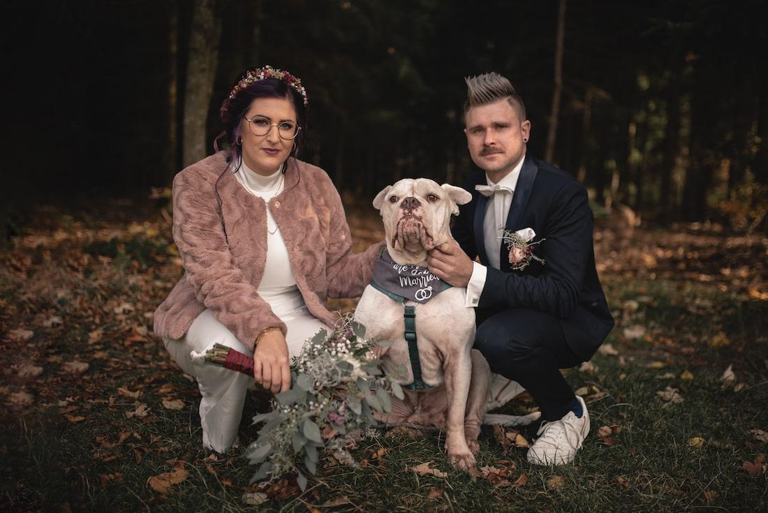 Hochzeitfoto mit Hund