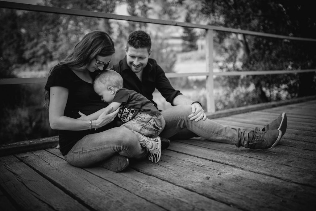 Babybauch Familie Fotoshooting Outdoor