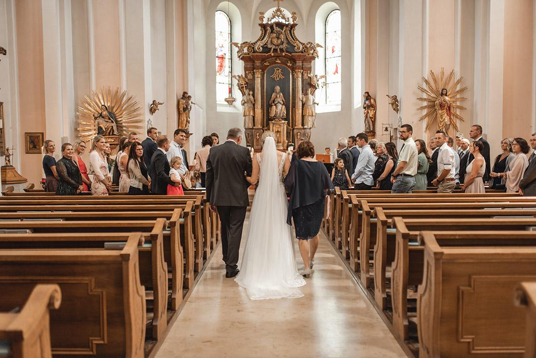 Eintritt Kirche Braut